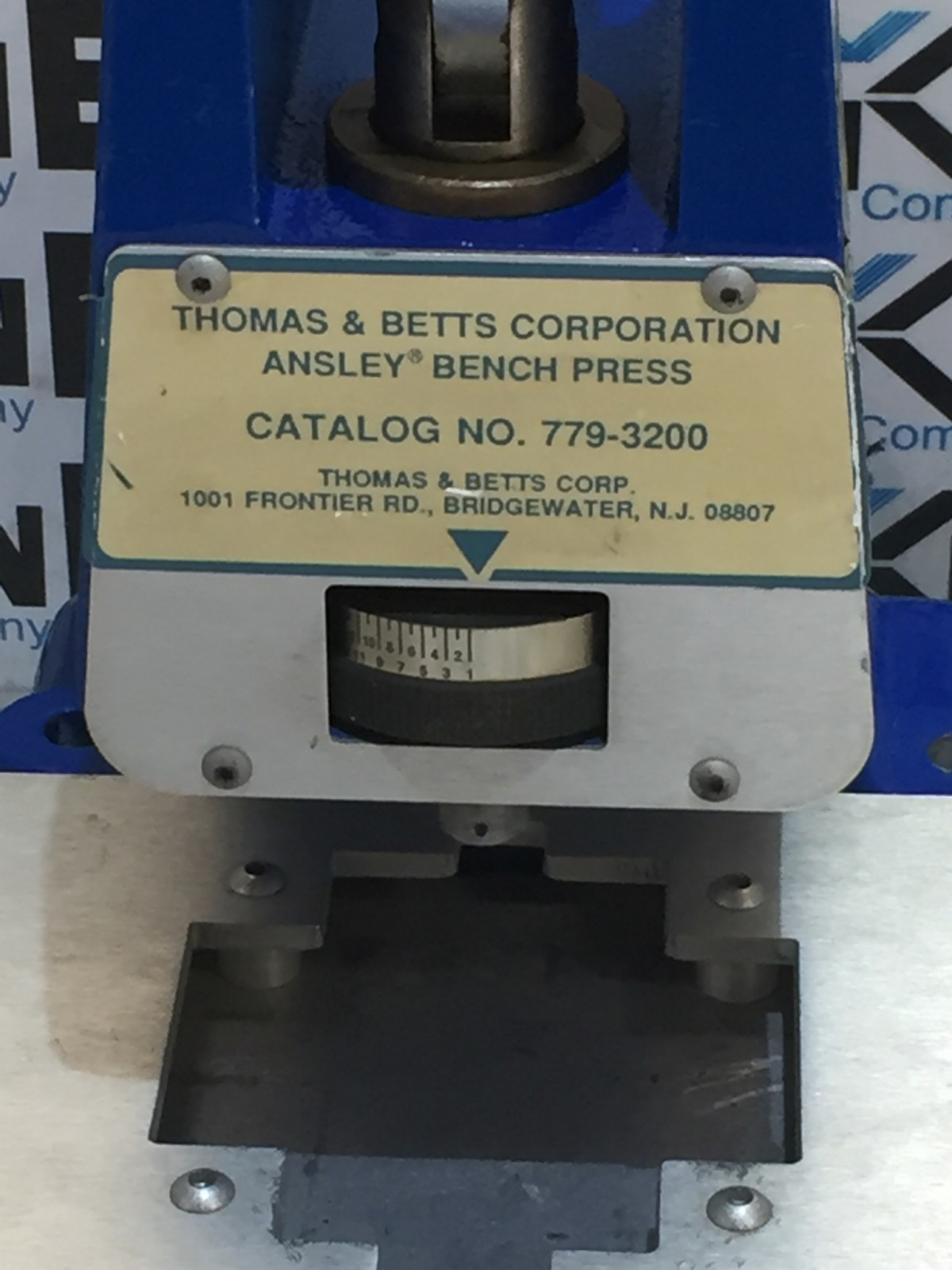 THOMAS & BETTS 779-3200 BENCH PRESS