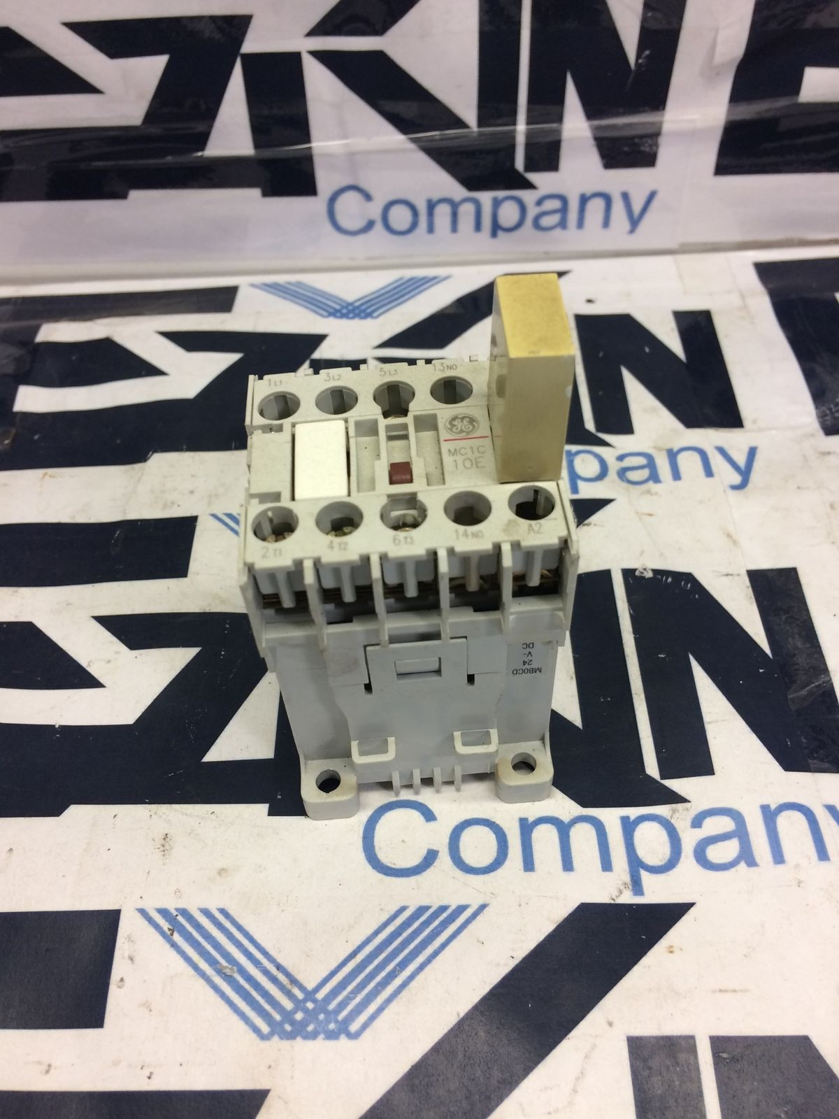 GE MCRC031AT CONTACTOR RELAY