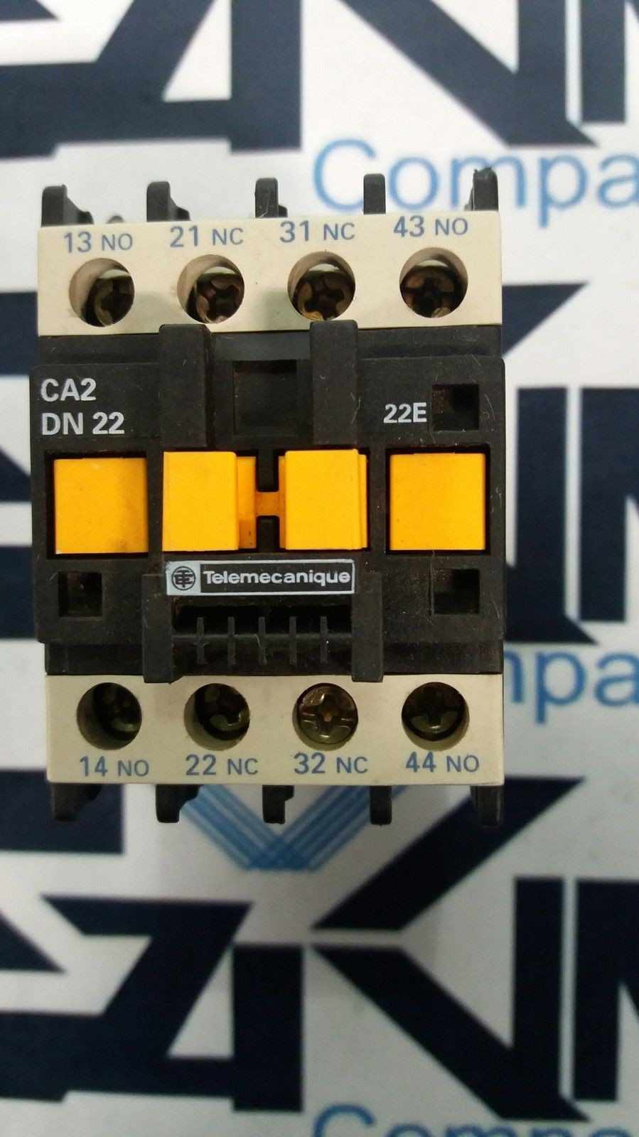 TELEMECANIQUE CA2-DN22 22E 4 POLE AC CONTROL RELAY