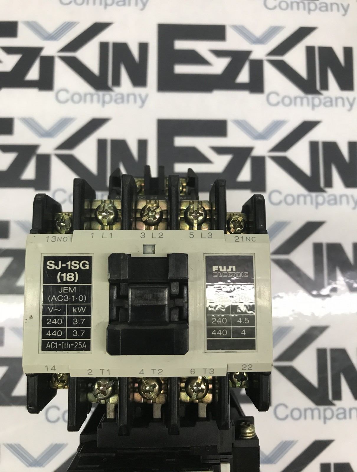 FUJI SJ-1SG (18) CONTACTOR WITH TR-5-1N/3 RELAY USED