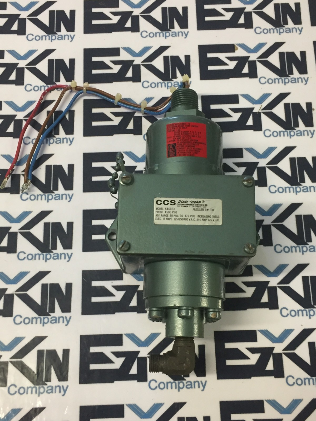 CUSTOM COMPONENT SWITCHES DUAL-SNAP MODEL 646GE3 PRESSURE SWITCH