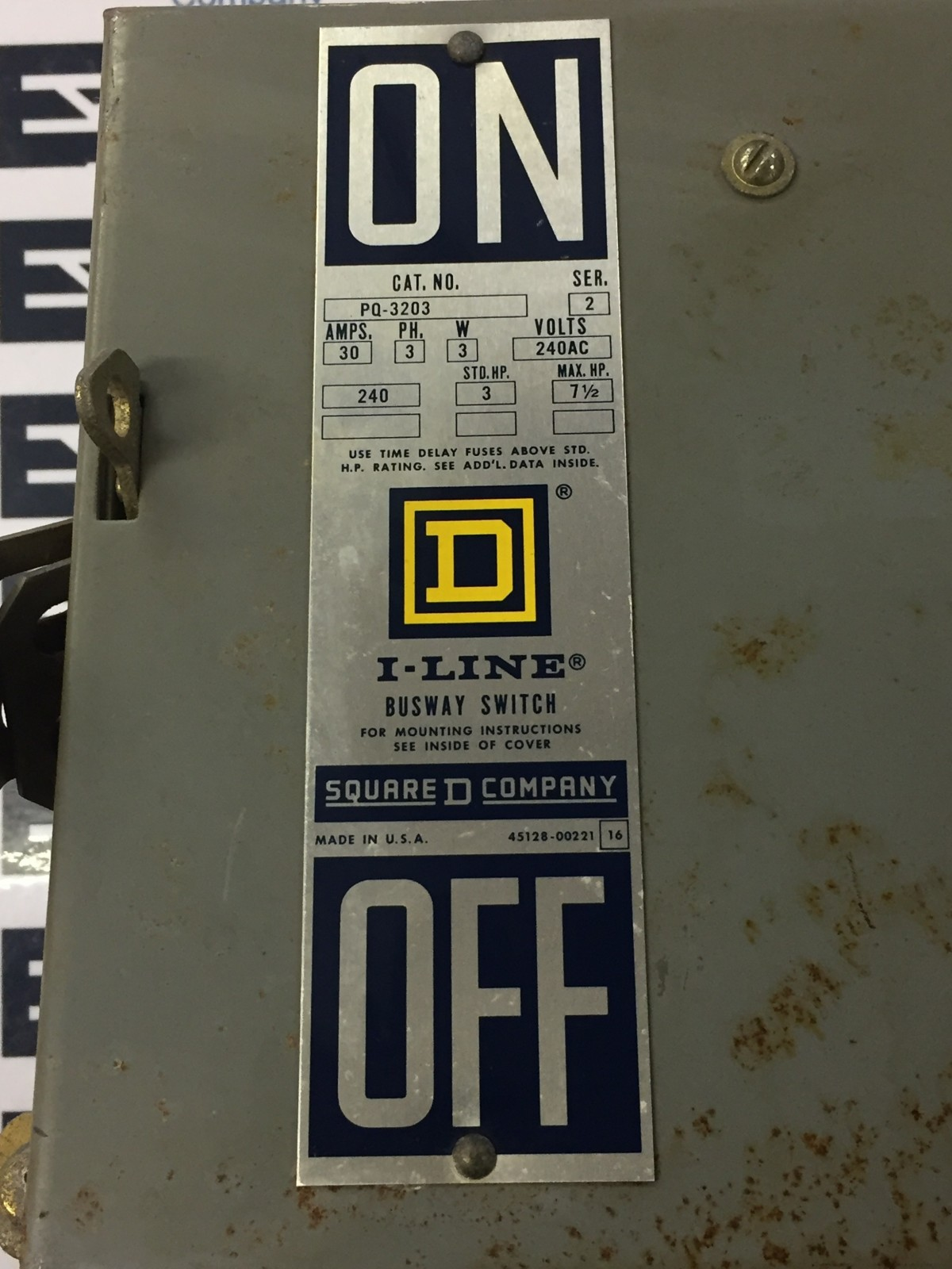 SQUARE D PQ PQ3203 30 AMP 240V FUSIBLE FUSED BUS PLUG HORZ AS IS