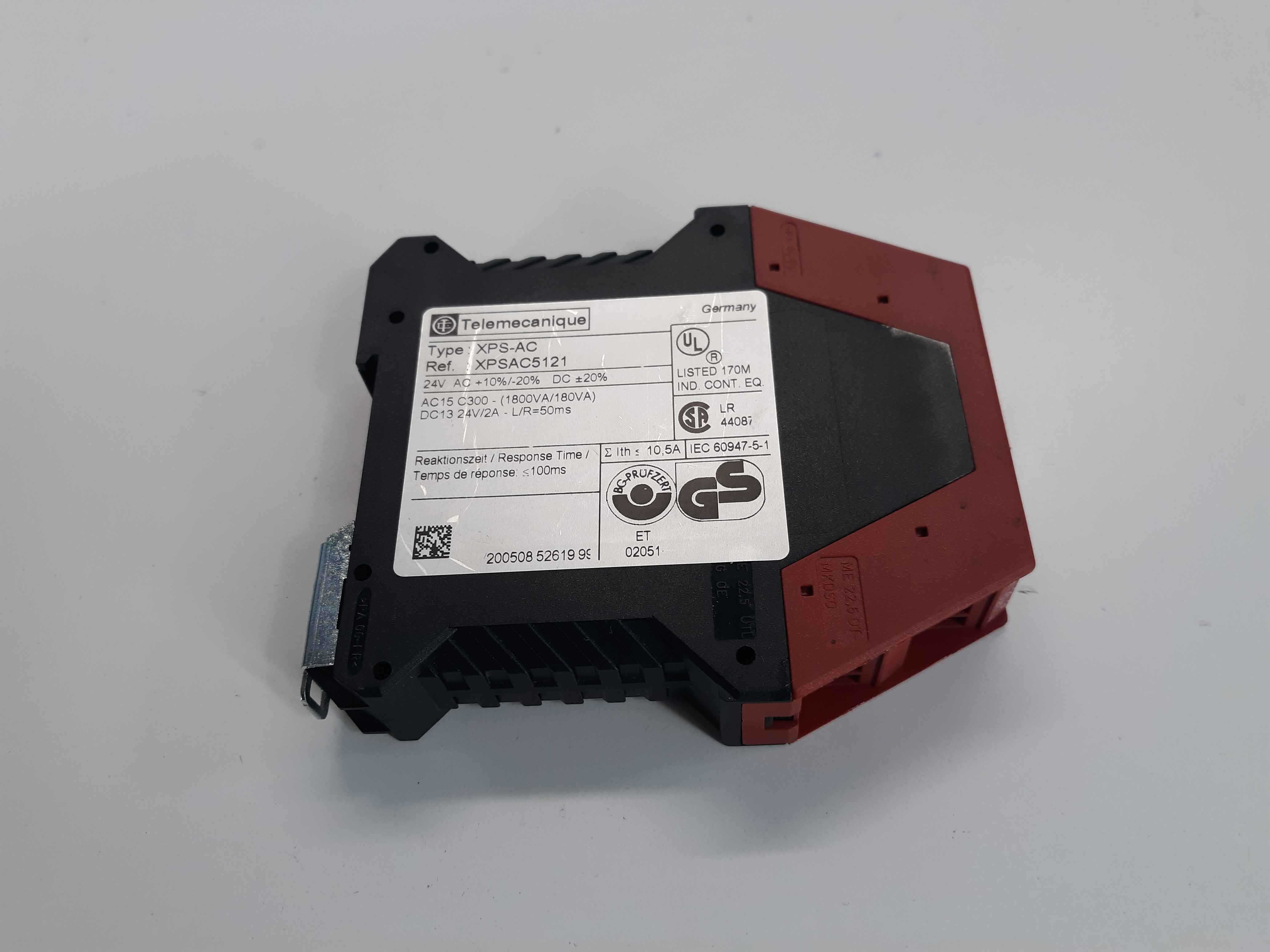 Telemecanique XPS-AC Safety Relay