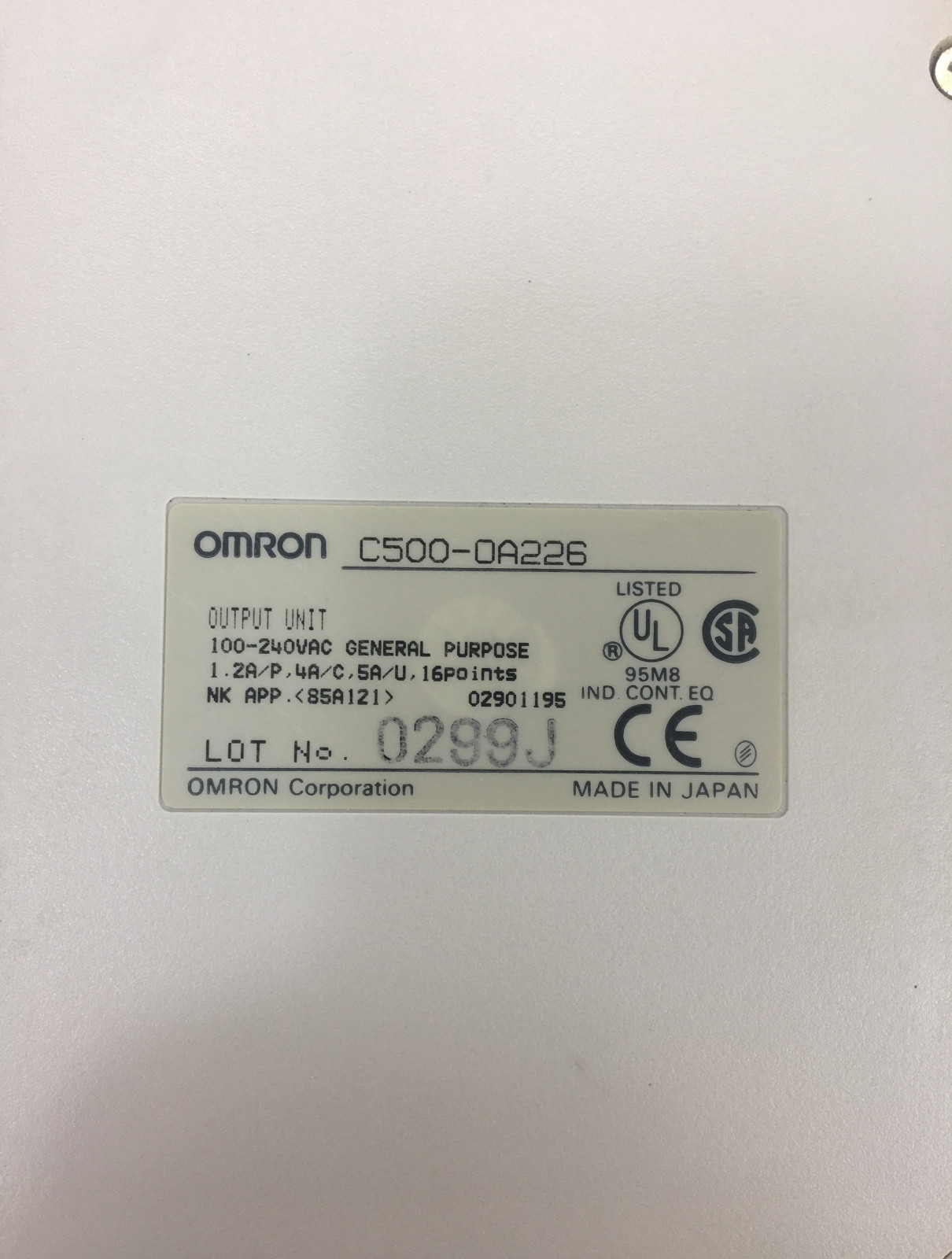 OMRON C500-OA226 OUTPUT UNIT 100-240vac COVER MISSING