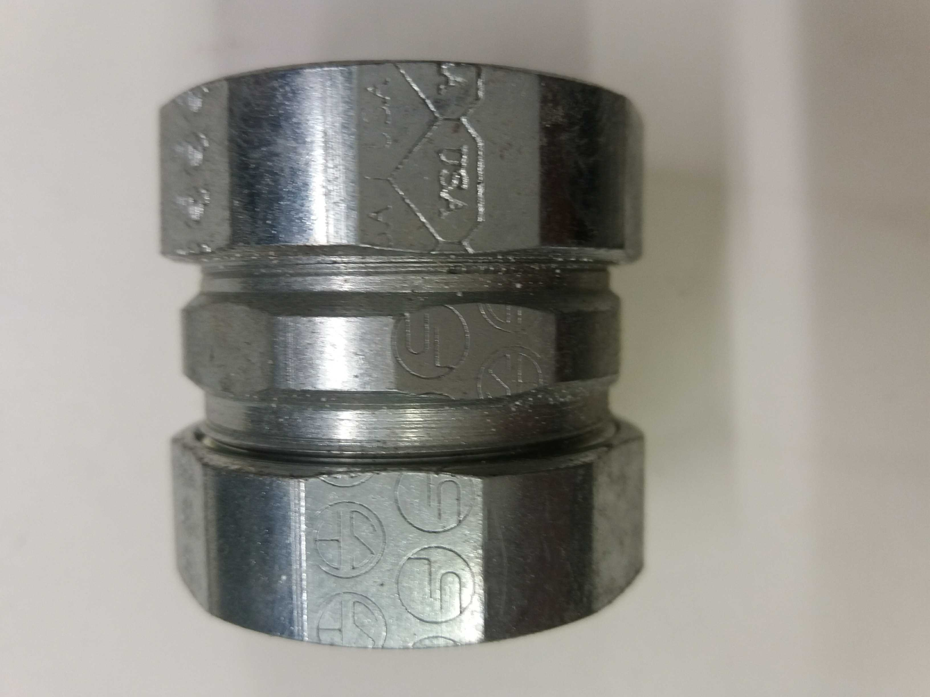 "American Fittings Corp 1"" EMT Compression Coupling Qty 20 EC762US"