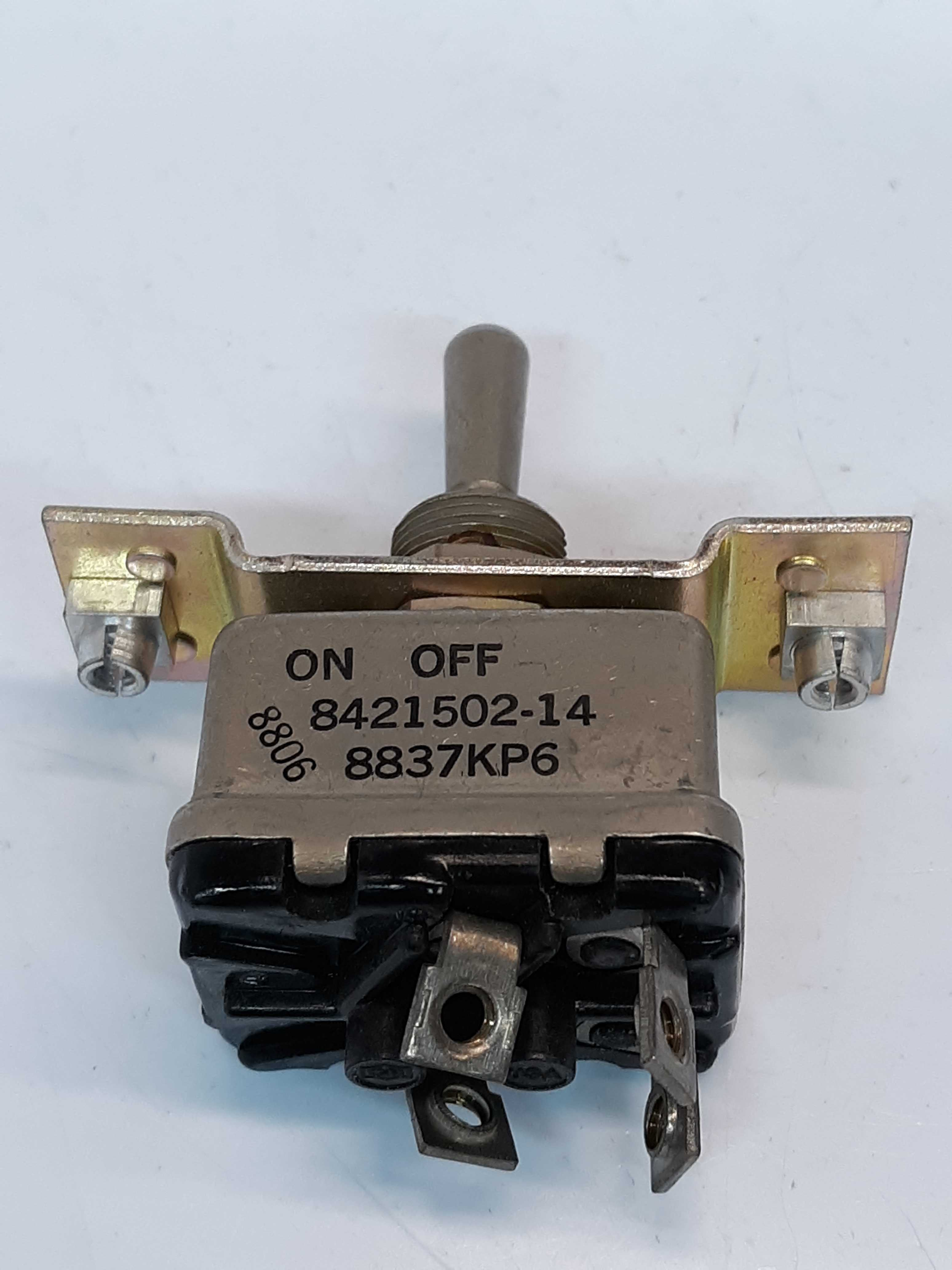 Cutler-Hammer 8421502-14  On-Off Switch
