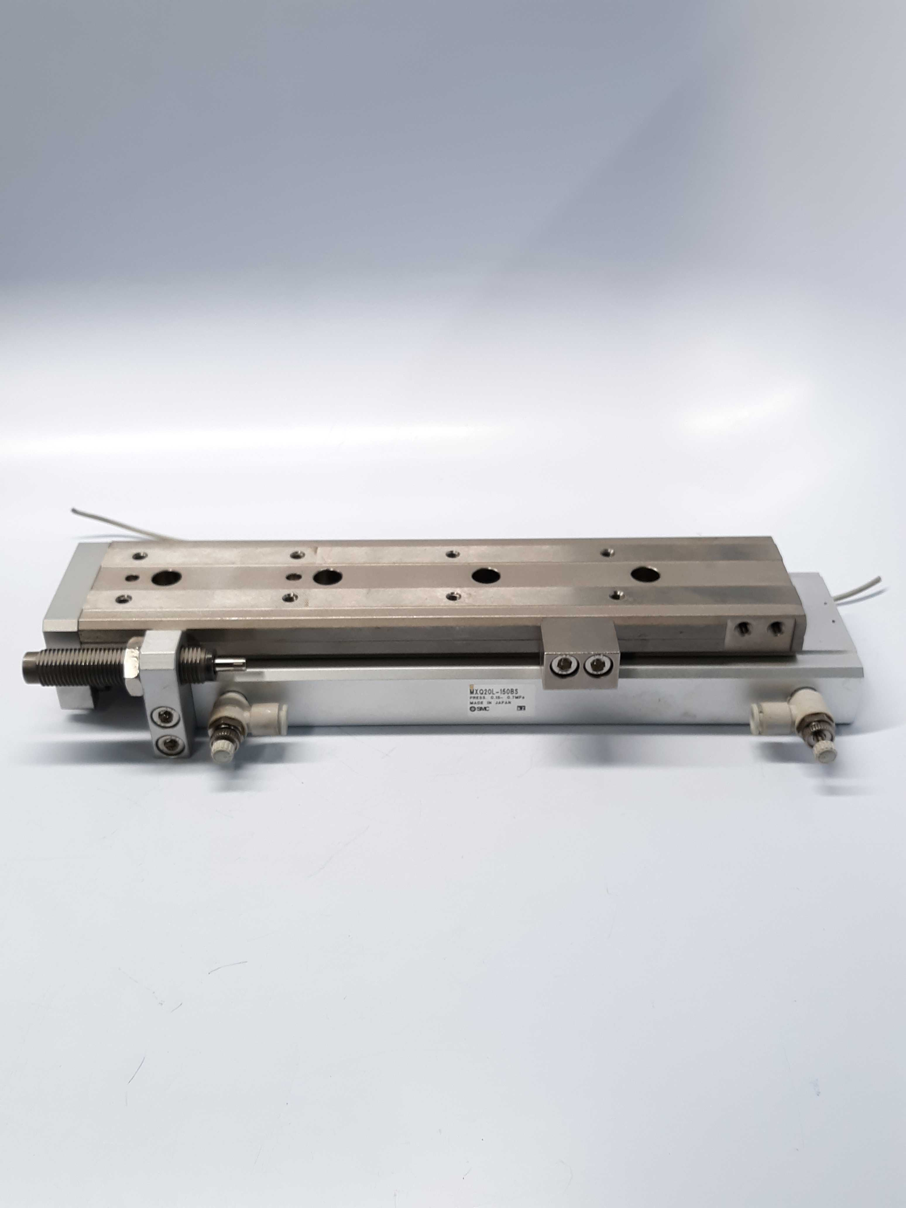 SMC MXQ20L-150BS Linear Motion Air Cylinder with Regulator and Position Sensor