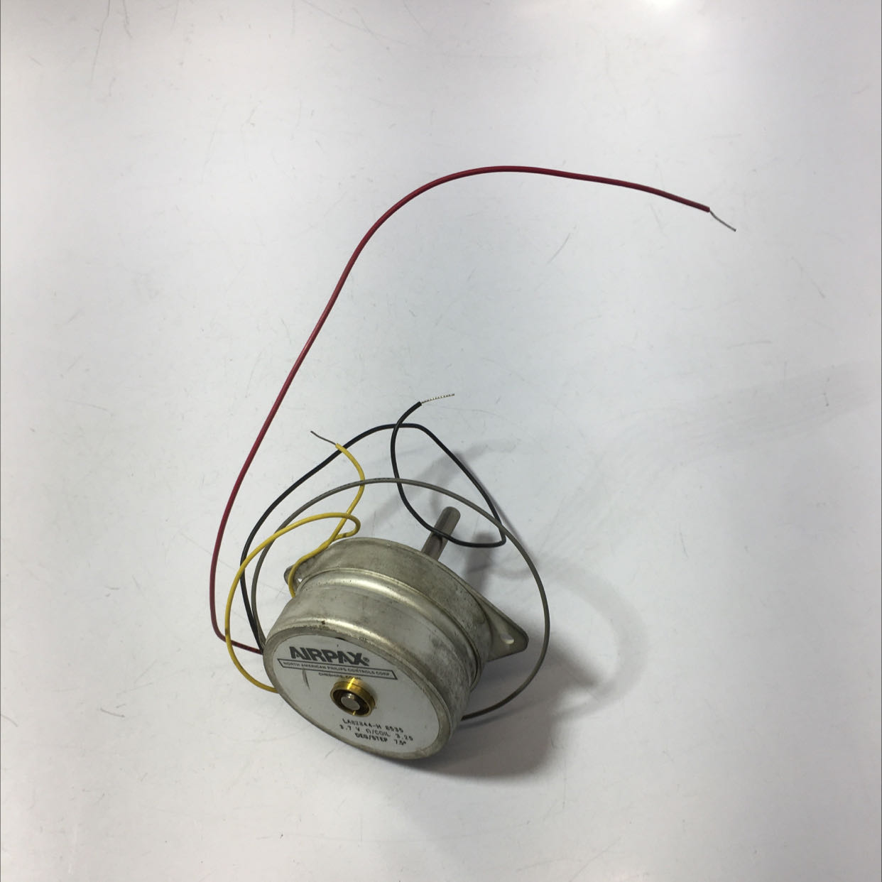 Airpax LA82844-H 8535 Stepper Motor 3.7V / 3.25 Coil